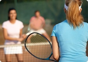 adults-playing-tennis_opt